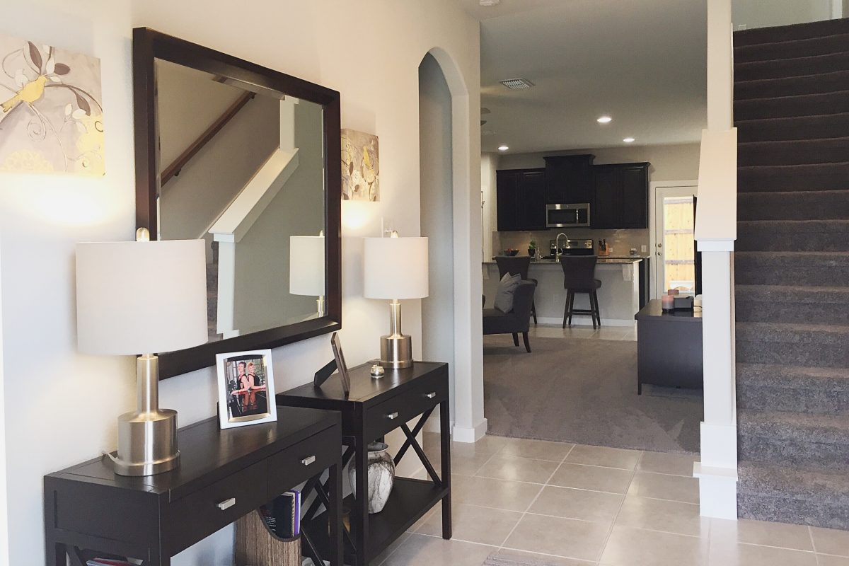 Beautifully decorated entry way in a new home in denton tx